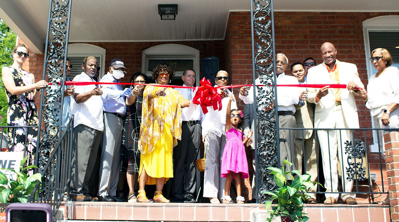 Ribbon cutting for Williams Community Resource Center
